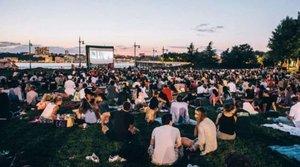 Filmový piknik s Bohemian Rhapsody pri rieke Hornád