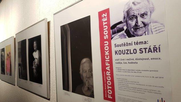 """Výstava snímků z fotografické soutěže - """"KOUZLO STÁŘÍ"""""""
