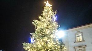 1. Adventní neděle na Husově náměstí - 1.12.2019