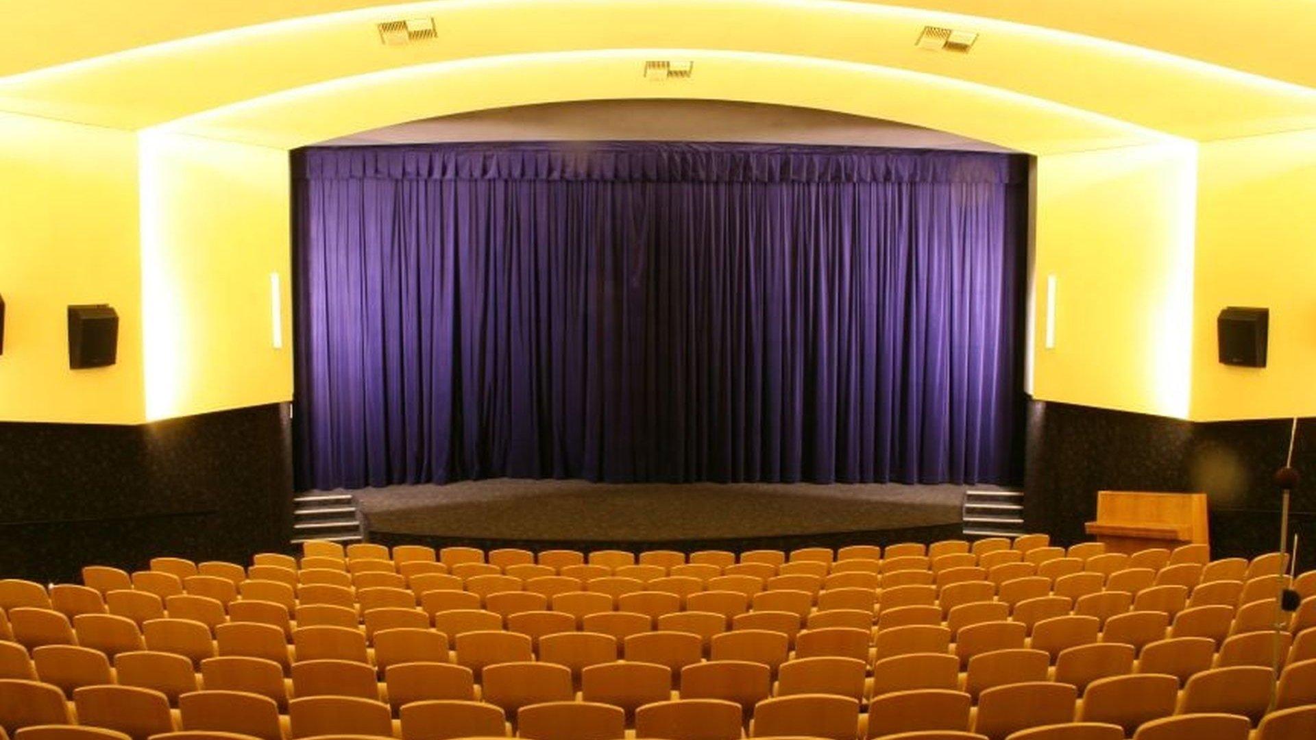 Kino Vatra je uzavřeno, ale promítá online!