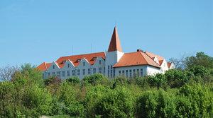 Budova bývalého učiteľského ústavu