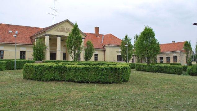Barokový kaštieľ uhorskej rodiny Ňáriovcov