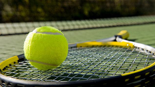 Tenis a squash